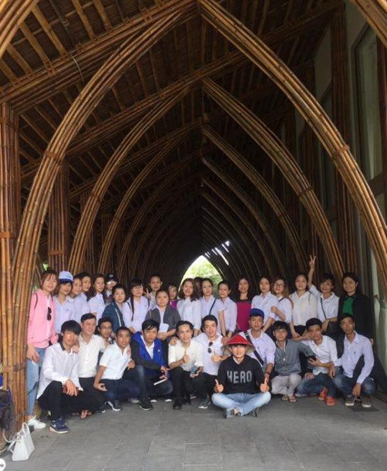 Sinh viên khóa 14CD ngành Quản trị kinh doanh và Việt Nam học đi thực tế
