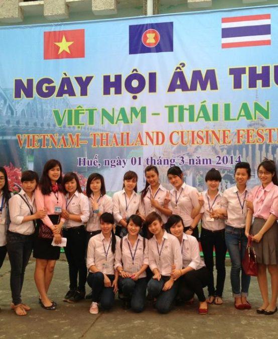 Ngày hội Ẩm thực Việt Nam-Thái Lan tại trường CĐCN Huế