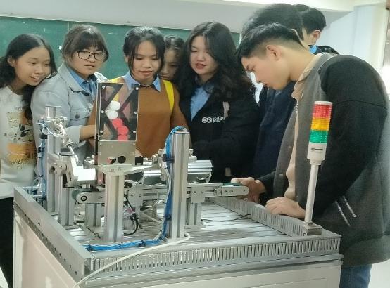 Cao đẳng Công nghệ Kỹ thuật Cơ điện tử