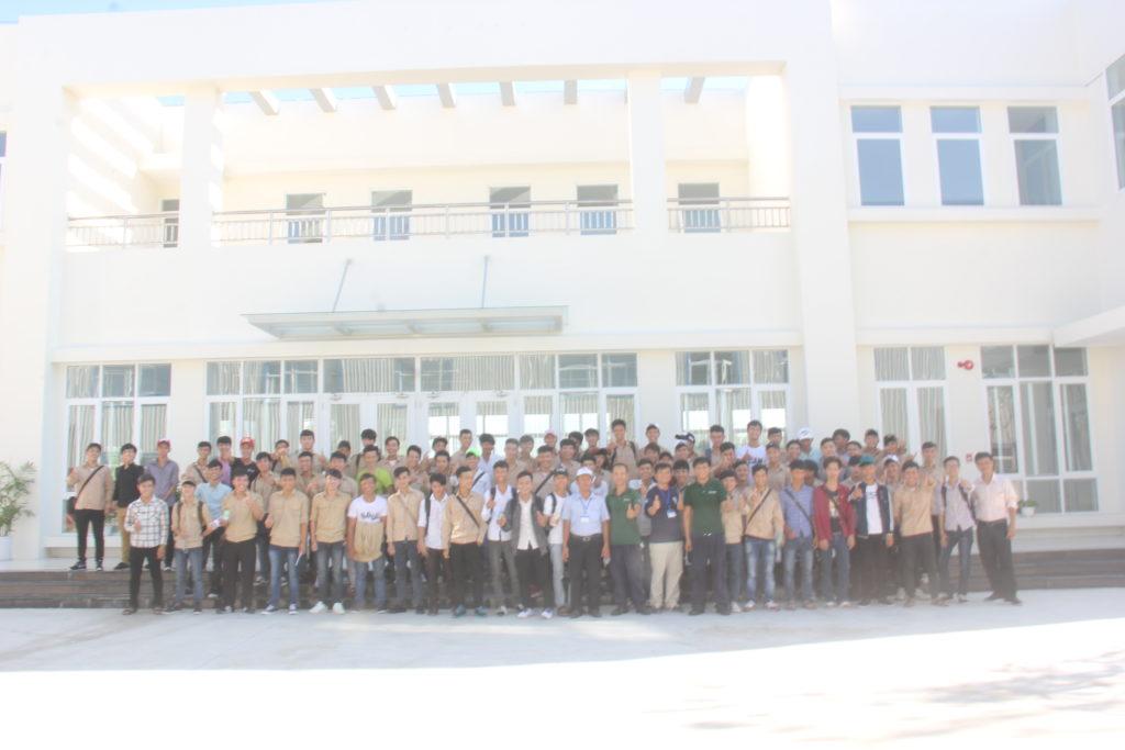 Sinh viên khoa Cơ khí thực tập tại doanh nghiệp