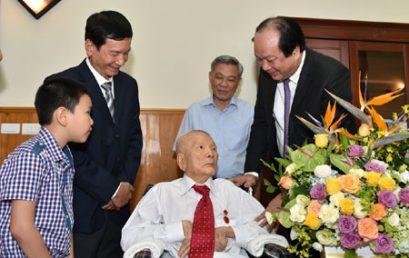 Cựu học sinh tiêu biểu: Nguyễn Côn
