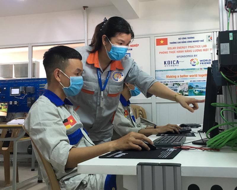Chương trình đào tạo nghề Điện công nghiệp đạt tiêu chuẩn kiểm định chất lượng chương trình đào tạo
